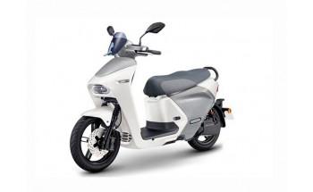 Yamaha EC-05, scuter electric cu baterii interschimbabile
