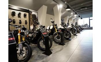S-a deschis prima reprezentanță a motocicletelor Triumph în România odată cu inaugurarea showroom-ului de la București